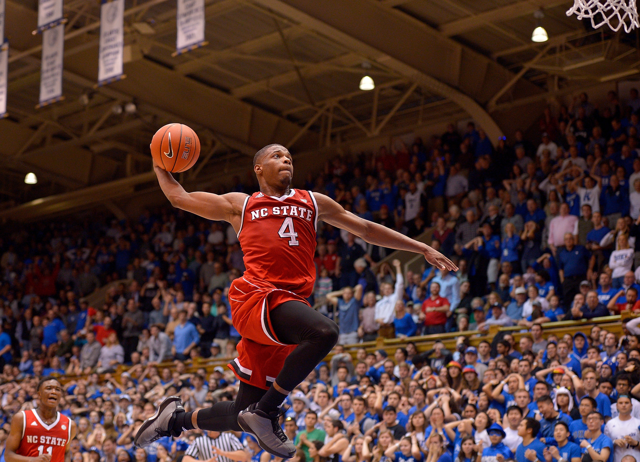 College basketball: NC State gets first win at Duke in 22 years - LA Times