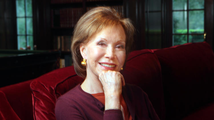 Mary Tyler Moore (Carolyn Cole / Los Angeles Times)