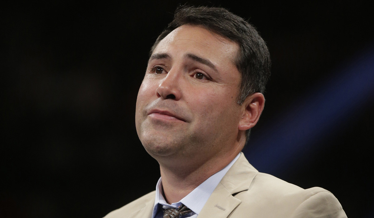 oscar de la hoya About golden boy promotions los angeles-based golden boy promotions was established in 2002 by oscar de la hoya, the first hispanic to own a national boxing promotional company.