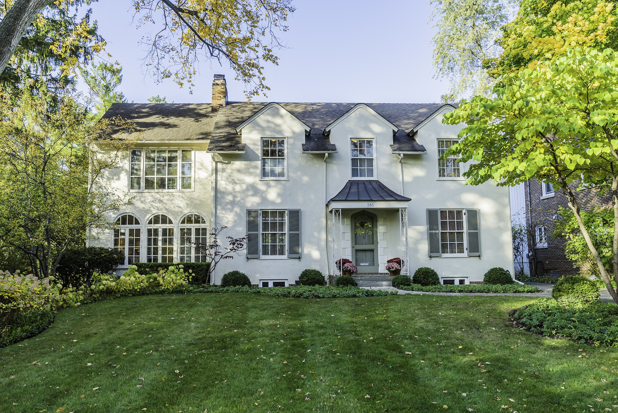 Coldwell banker lincoln park colonial style home in for Colonial style houses for sale