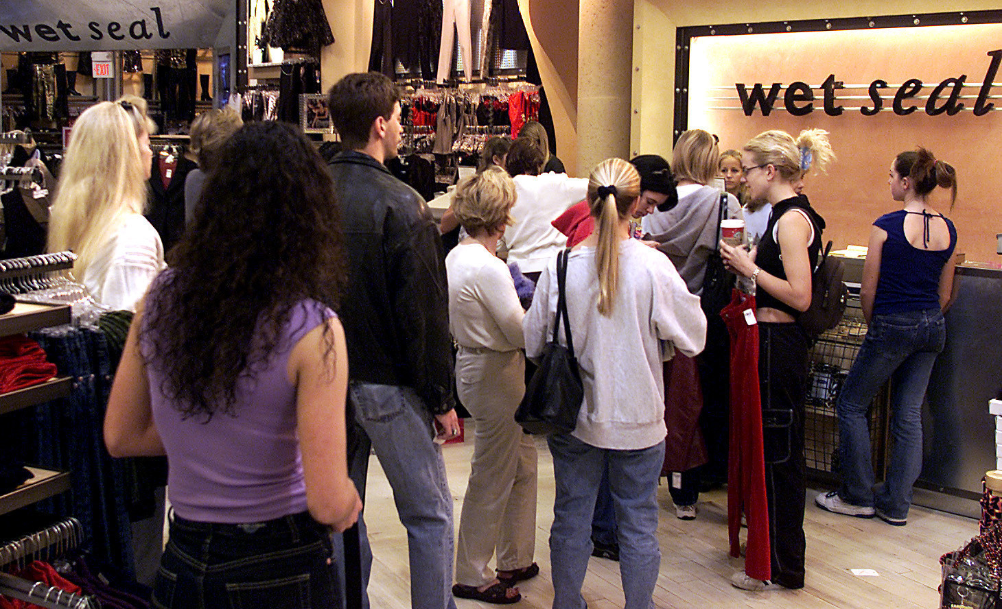 wet seal shutting down all stores as struggle continues for mall