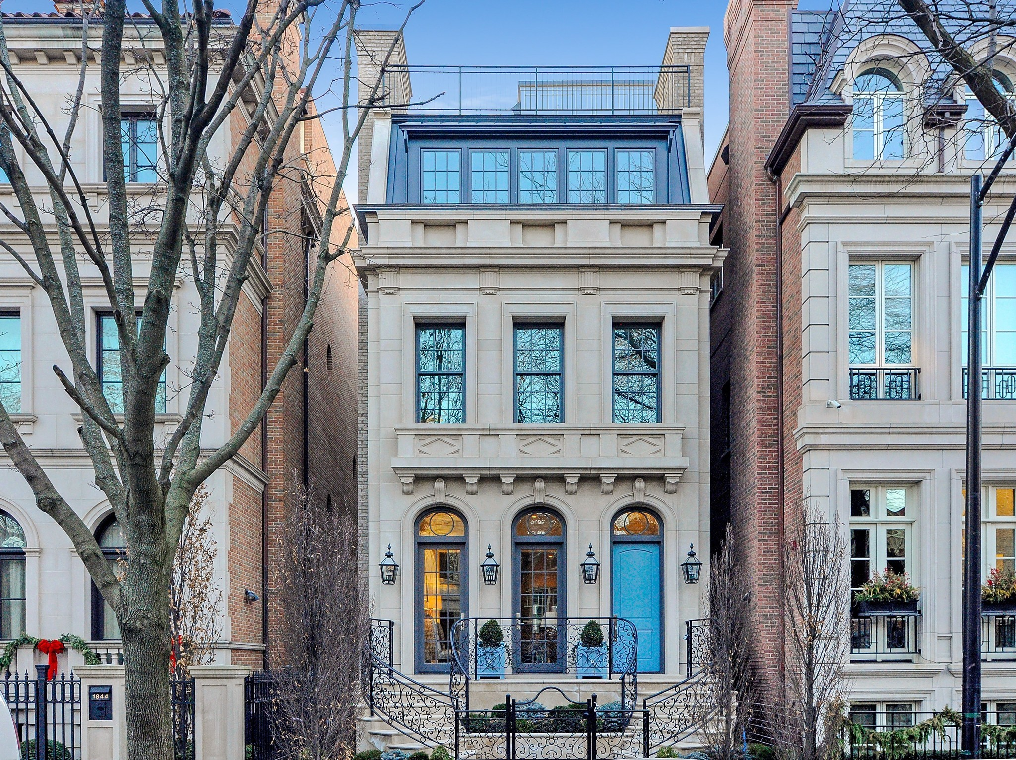 Range Lincoln Park Chicago ~ Contemporary home in lincoln park m chicago tribune