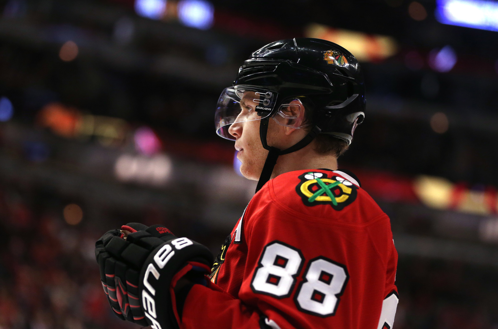 NHL names 10 Blackhawks among its top 100 players of all time