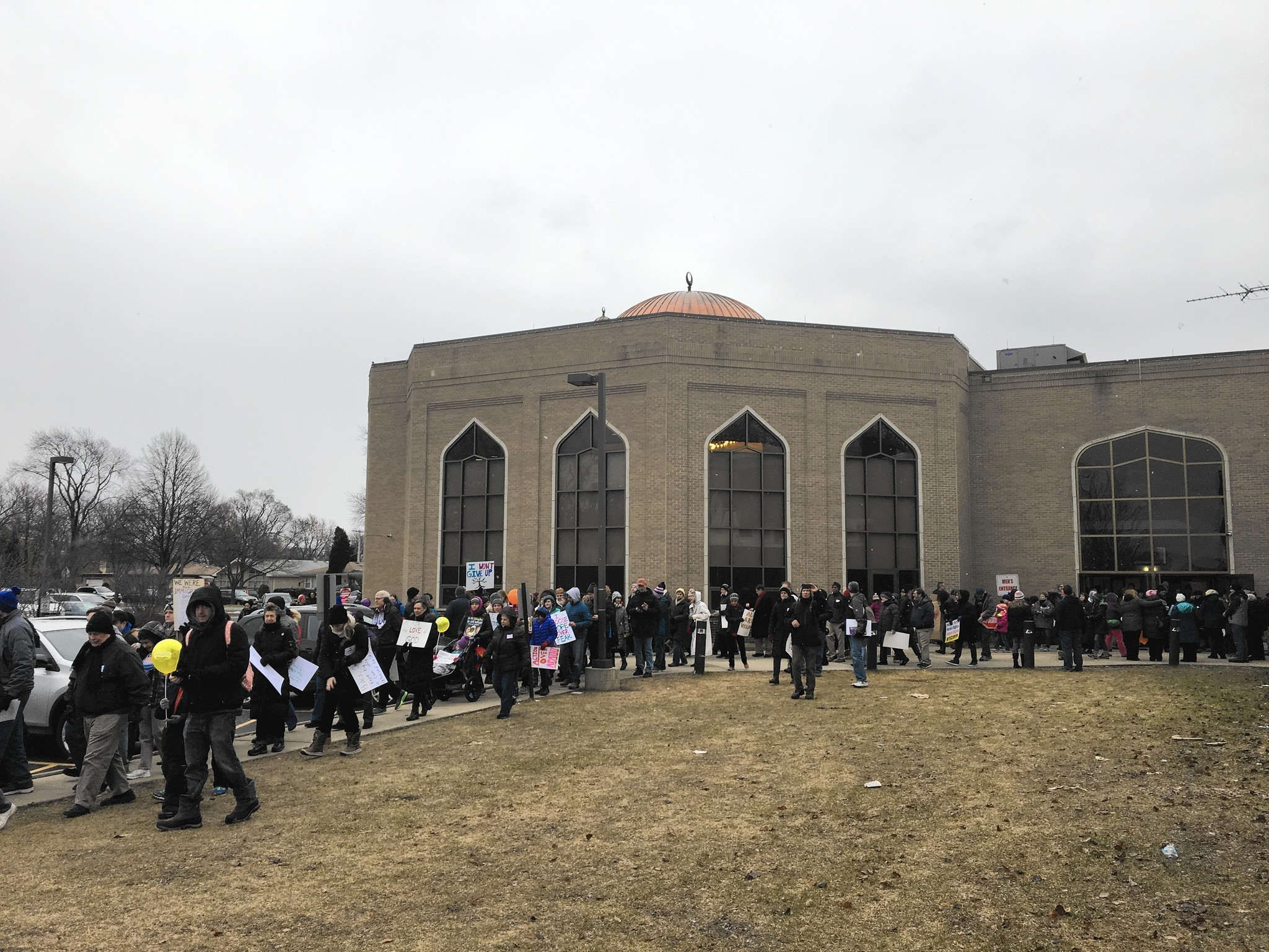 morton grove muslim Morton grove resident jenny montgomery said a young muslim boy in her fourth grade classroom asked her repeatedly to come to a recent open house at the mosque where the boy and his family.