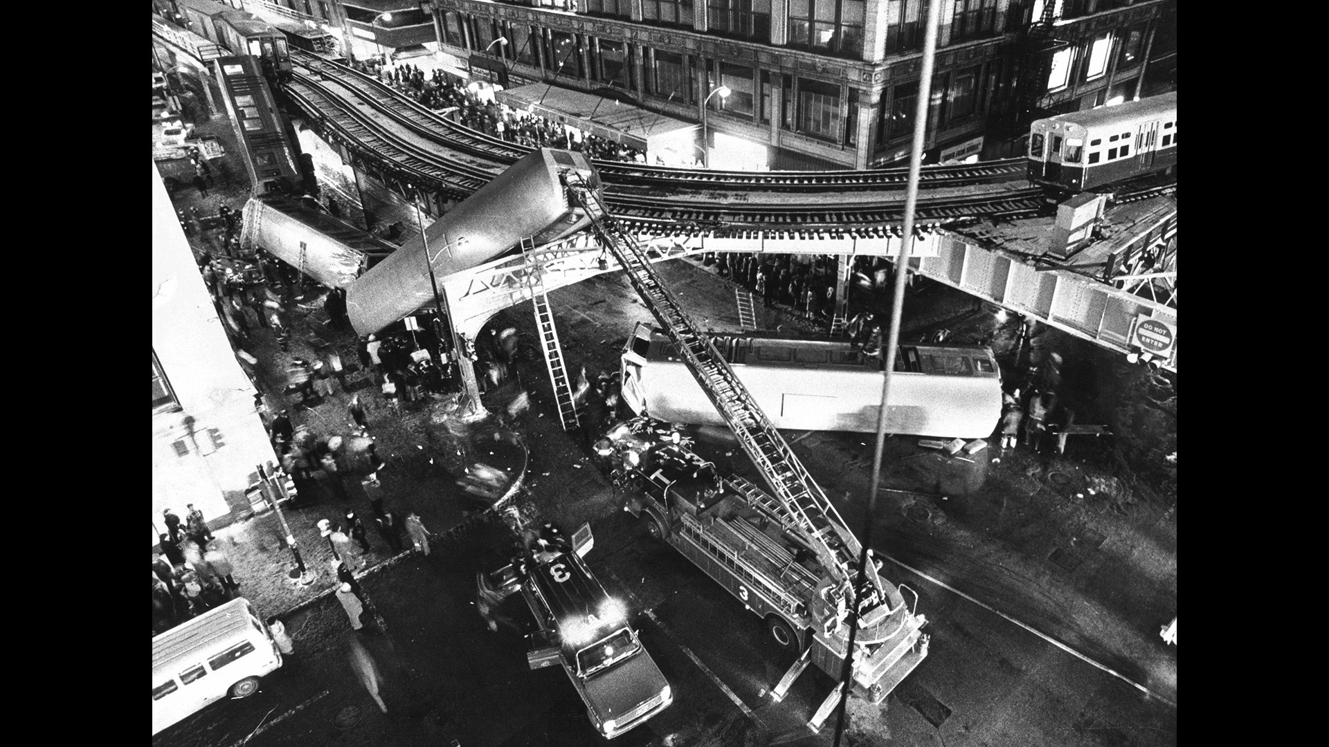 The 'L' crash of 1977: 'A slow-motion horror'