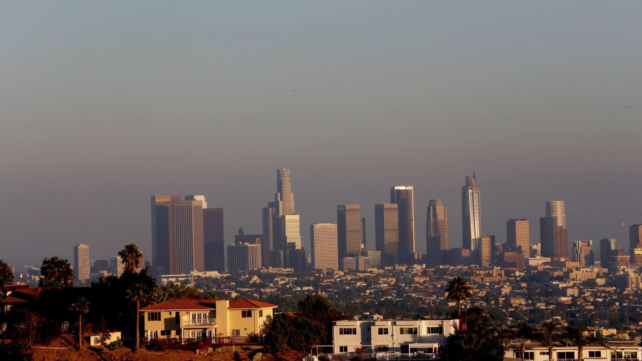 air pollution in the los angeles basin essay Nevertheless, the four-county los angeles basin still has some of the nation's worst levels of ozone, a key ingredient of smog, and fine particles, which have been linked to asthma attacks and .