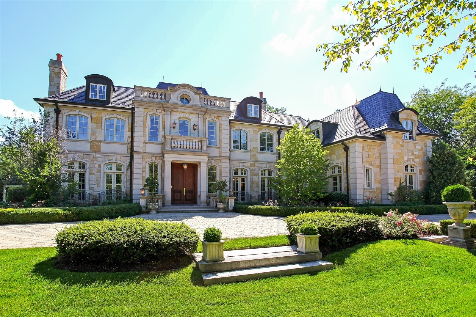 Northfield mansion on private lane 3m chicago tribune for Chicago mansion for sale