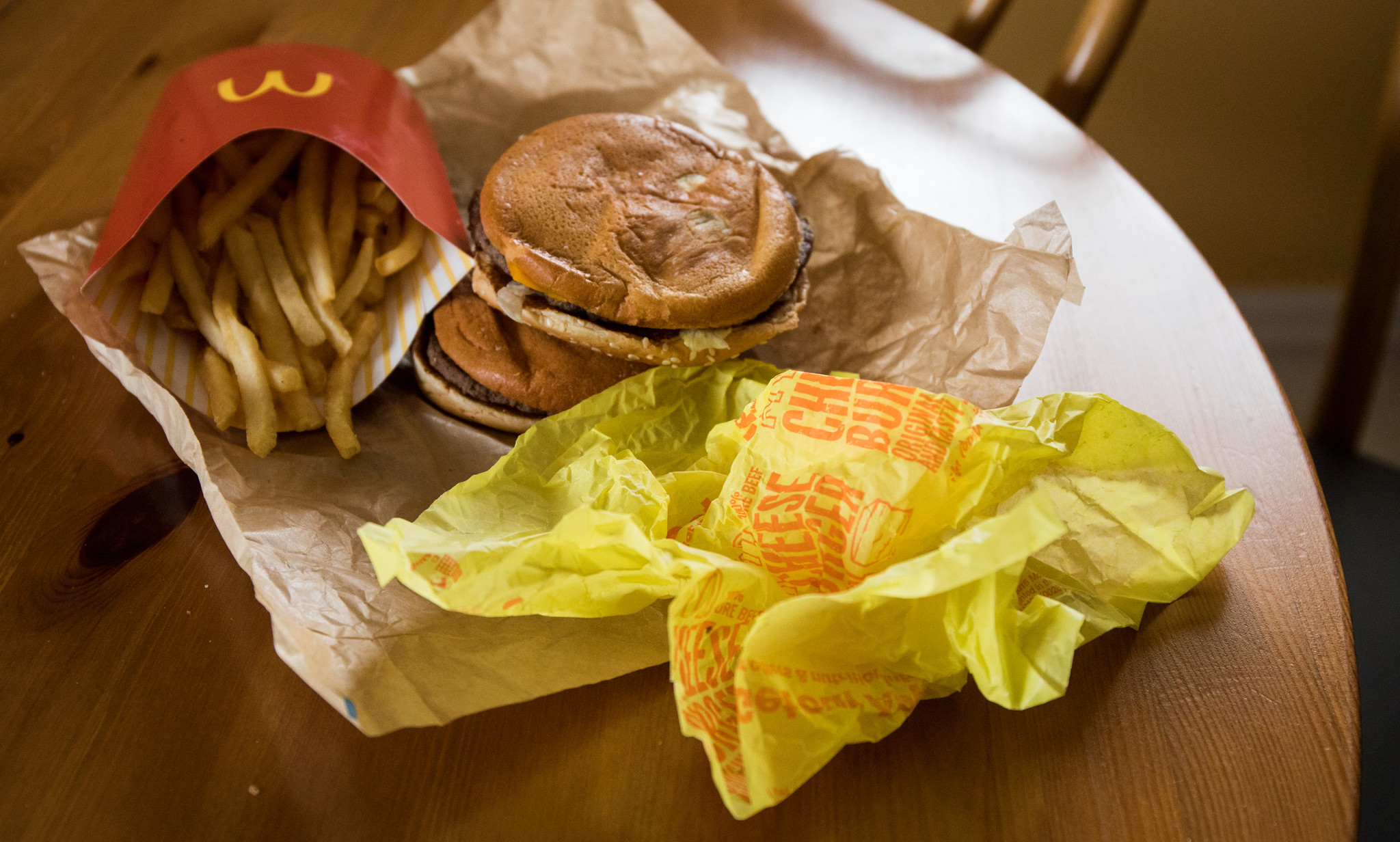 Potentially dangerous chemicals found in fast-food wrappers, researchers say