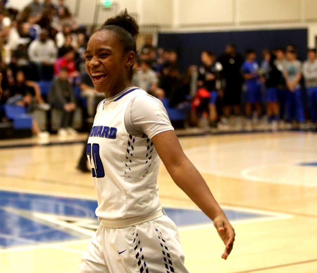 sondheimer single girls Prep extra / a weekly look at the high school sports scene in the southland | eric sondheimer single-division playoff issue dividing the city.