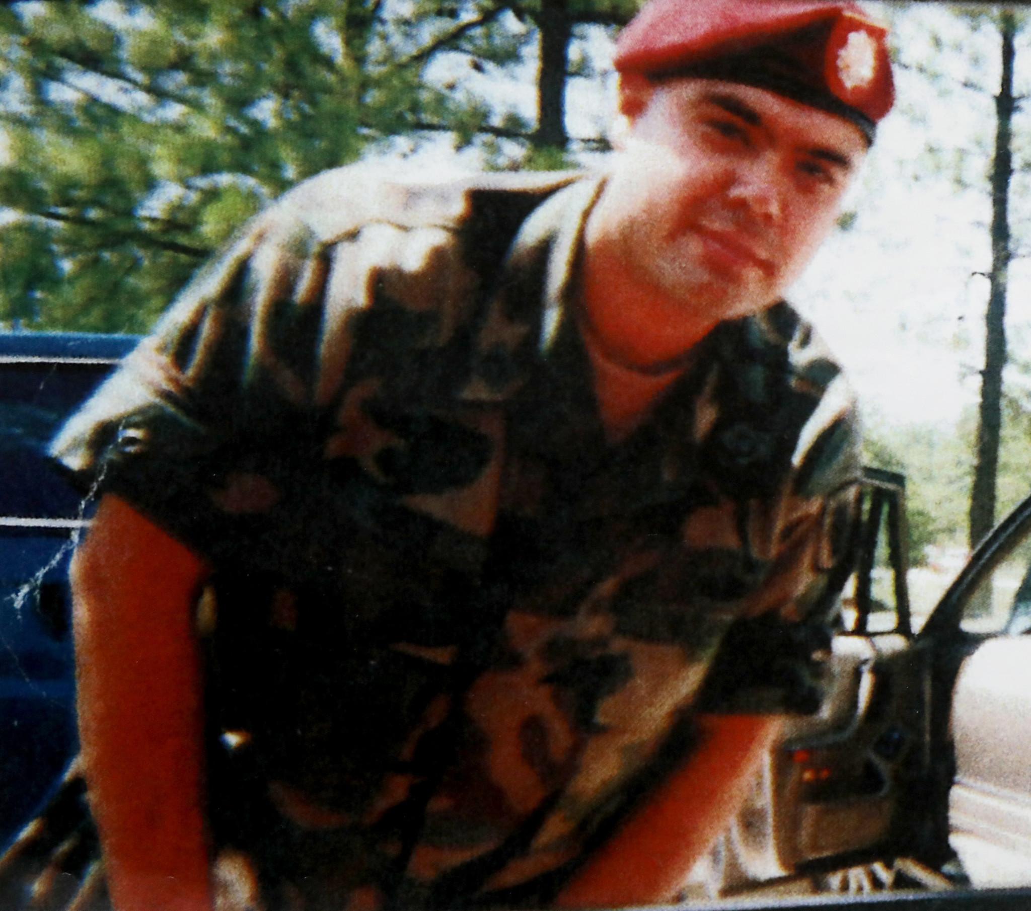 Chicago veteran fights deportation after serving time for drug ...