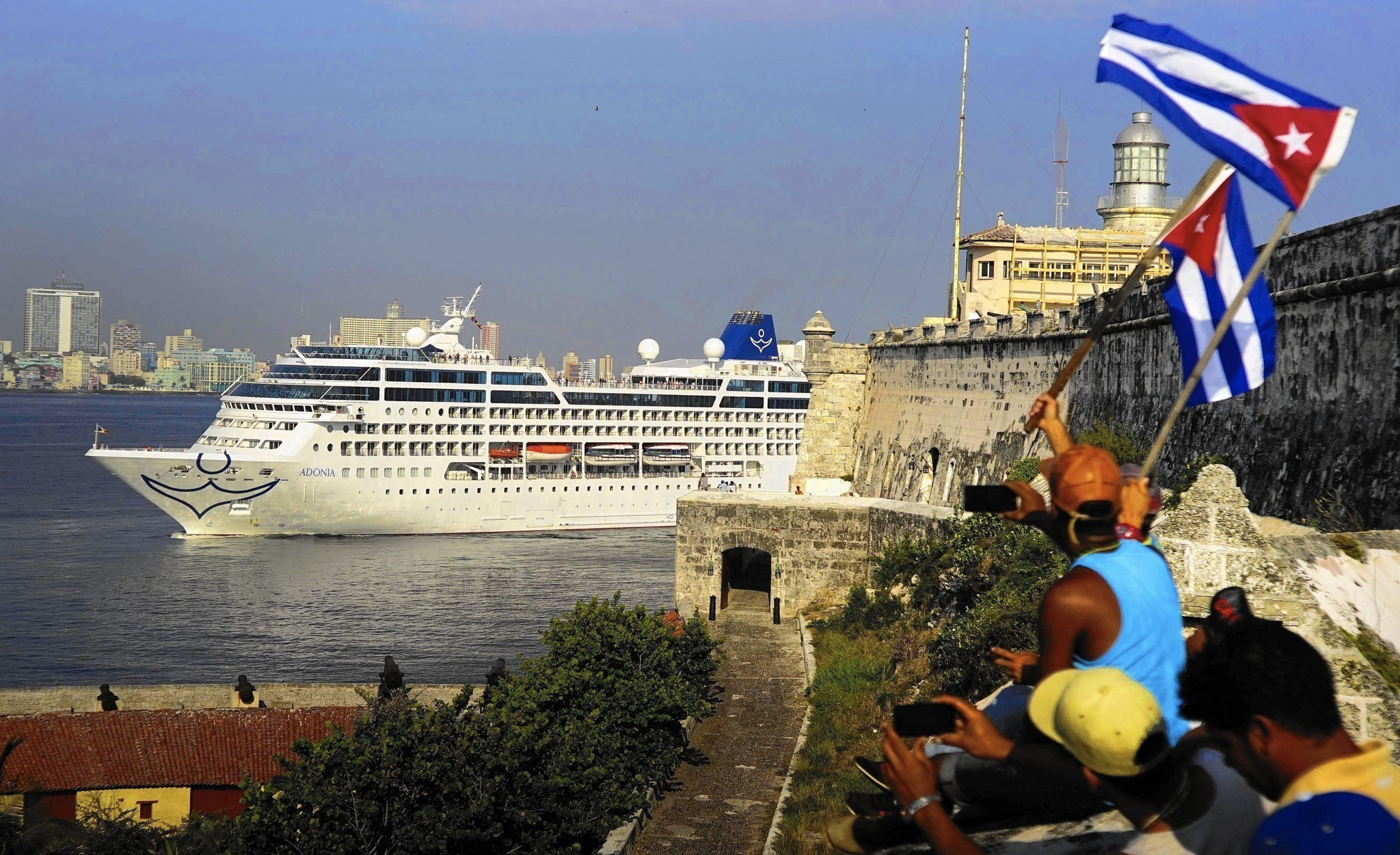 Norwegian Royal Caribbean Expand Cuba Sailings Through End Of The Year Orlando Sentinel