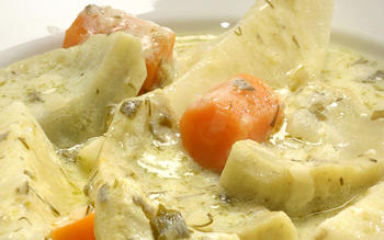 Aginares avgolemono (artichoke bottoms in avgolemono)