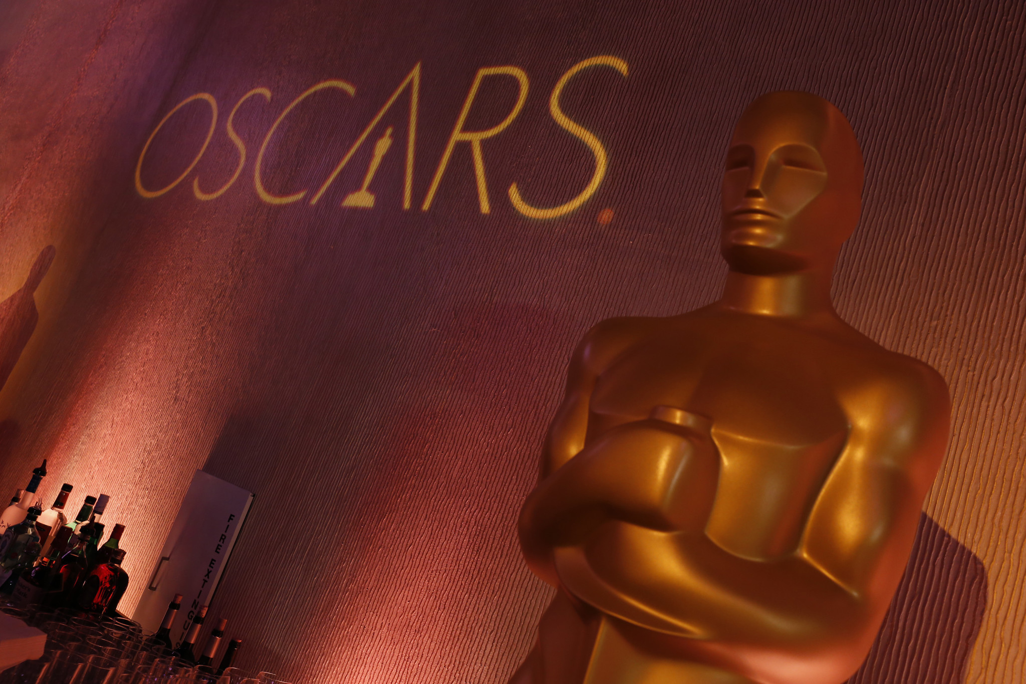 130342397671 moreover Hollywood party additionally Oscar Activities besides Star award life size cutout 72in likewise 7673 Raziz. on oscar party trophy favor