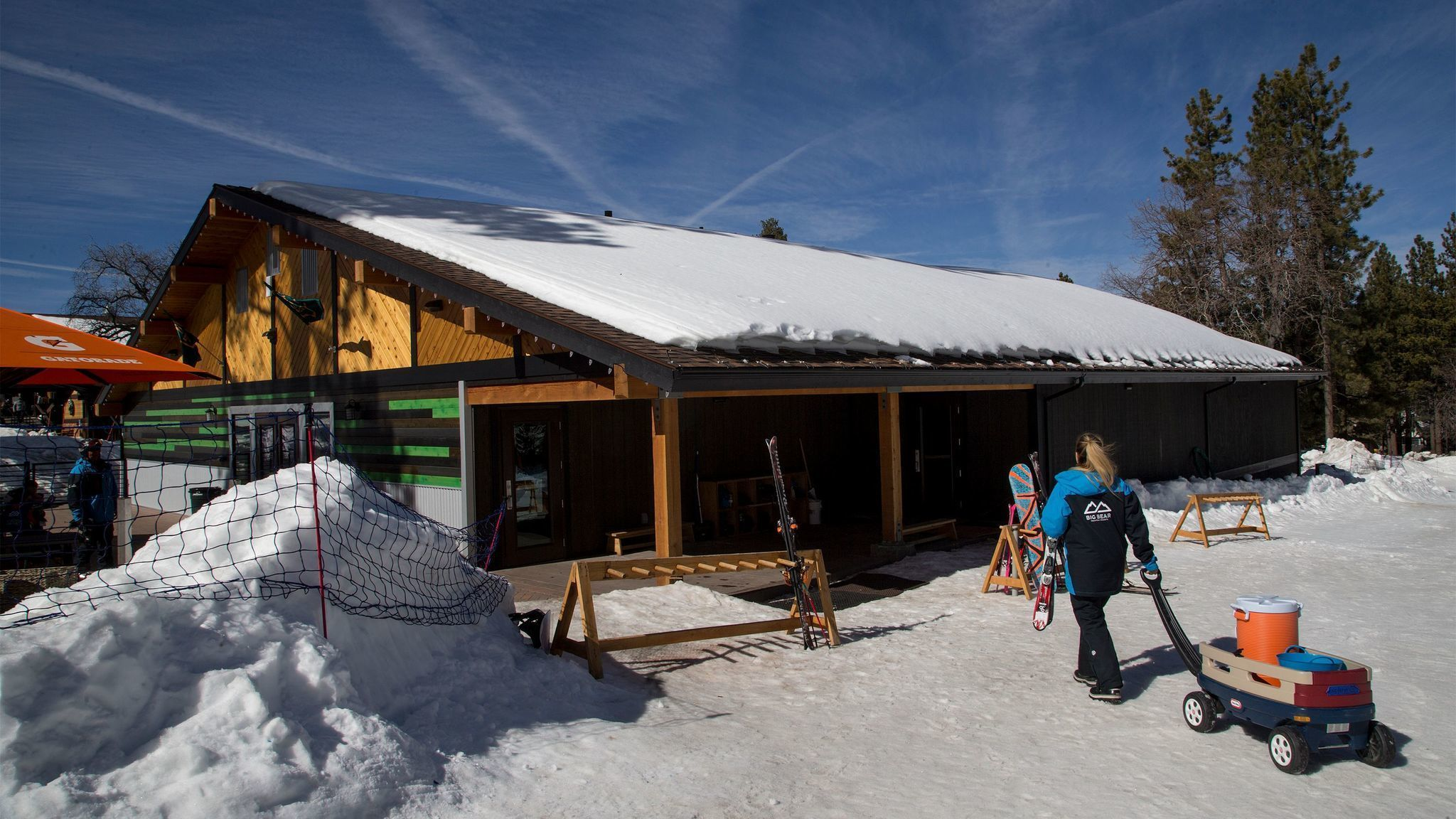 No more 39 leaky lodge 39 bear mountain and snow summit get for Cabins near snow summit