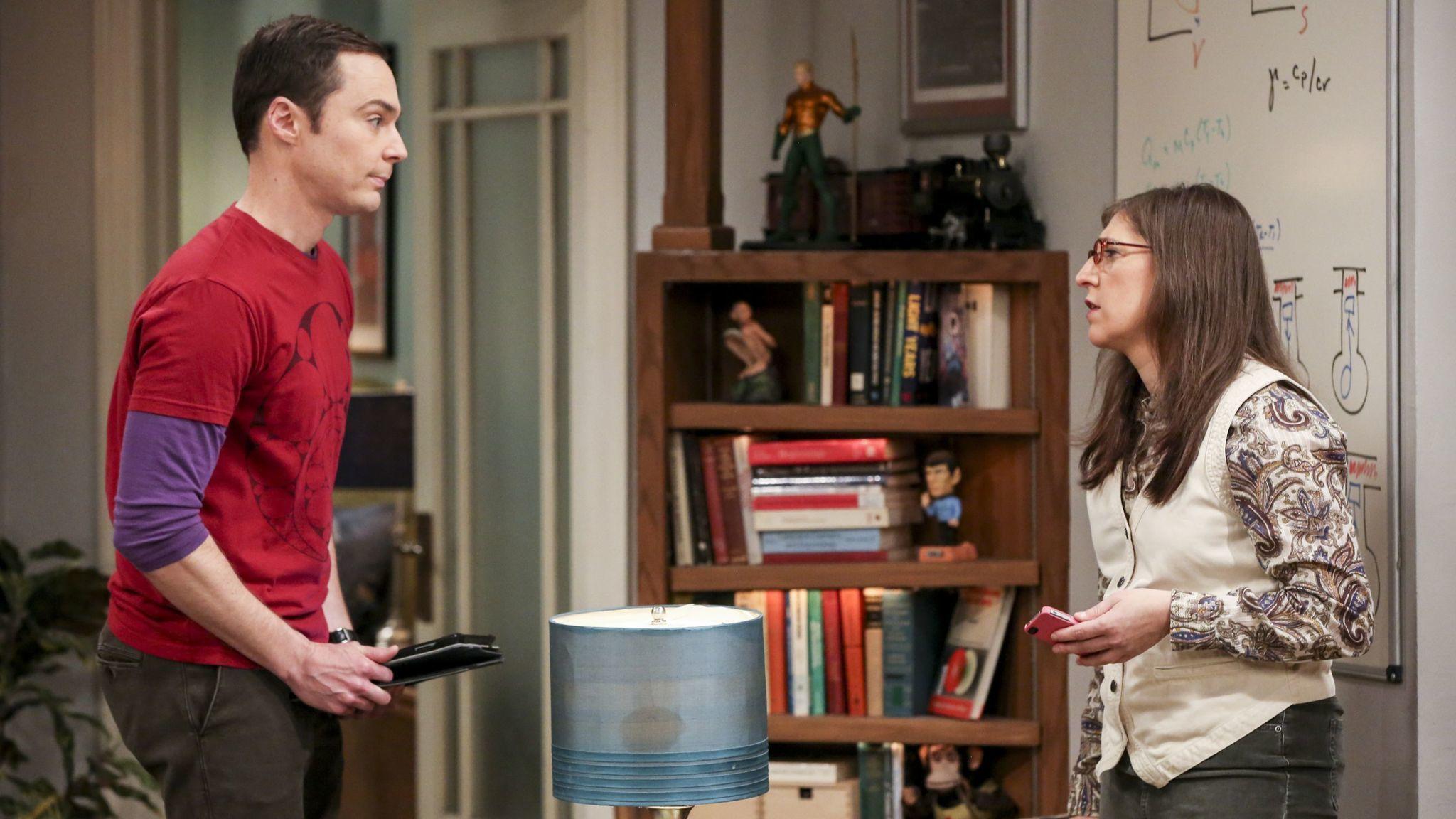 big bang theory season spoilers episode synopsis teases big bang theory sex symbol sheldon scores