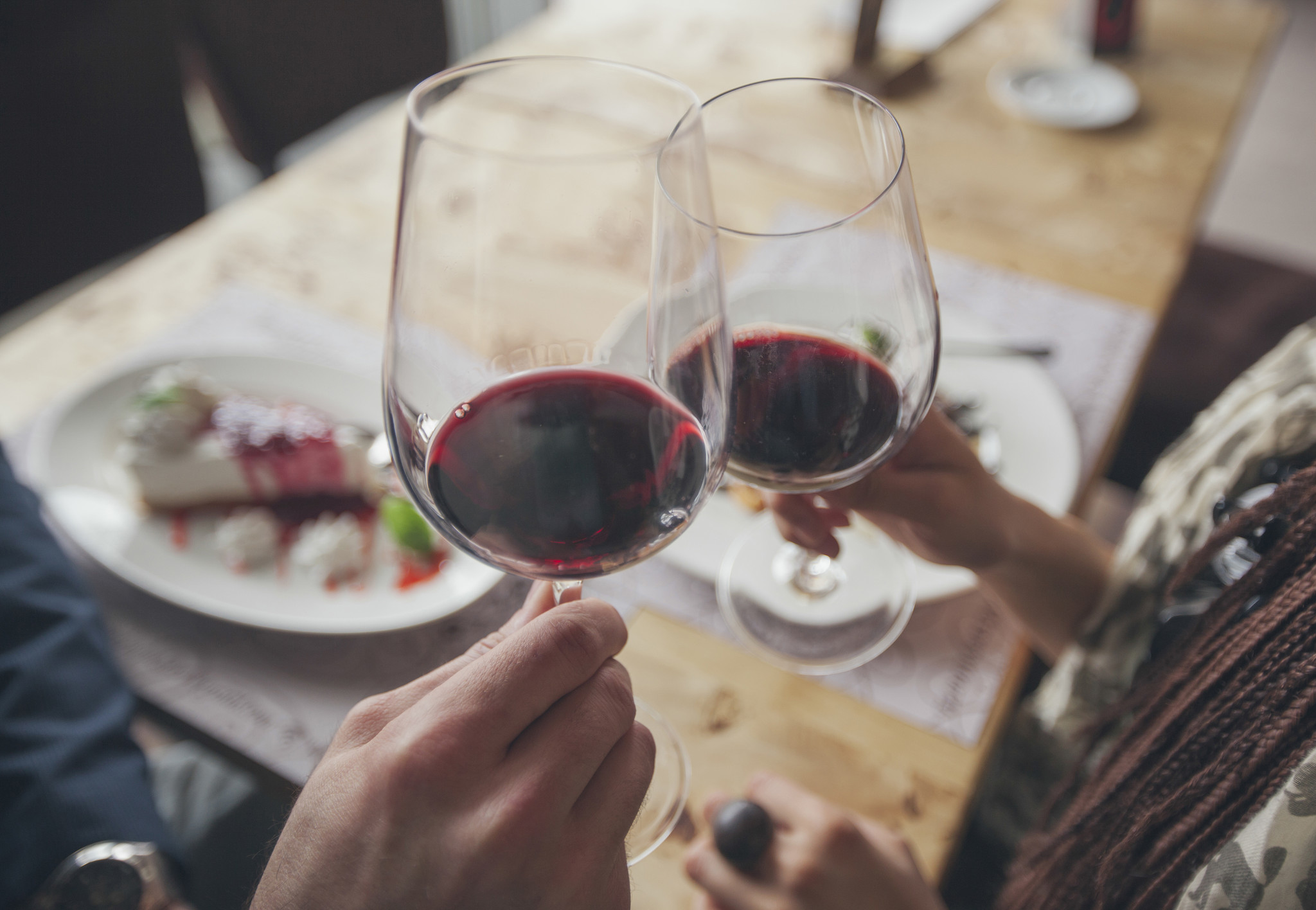 valentines day that consumer trap of a holiday doesnt have to be terrible just buy wine chicago tribune