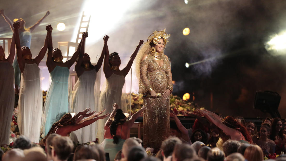 Beyoncé performs during Sunday's Grammy Awards. (Robert Gauthier / Los Angeles Times)