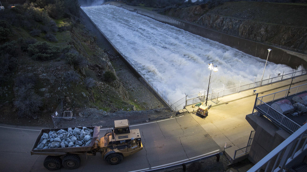updates new storms approach but officials confident oroville dam