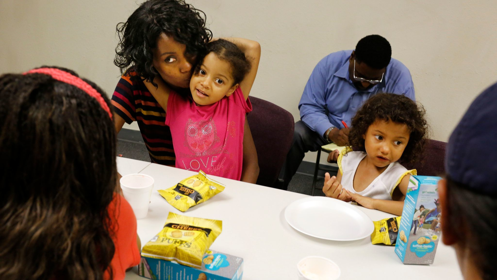 At the class, Baker shared a meal with her children.