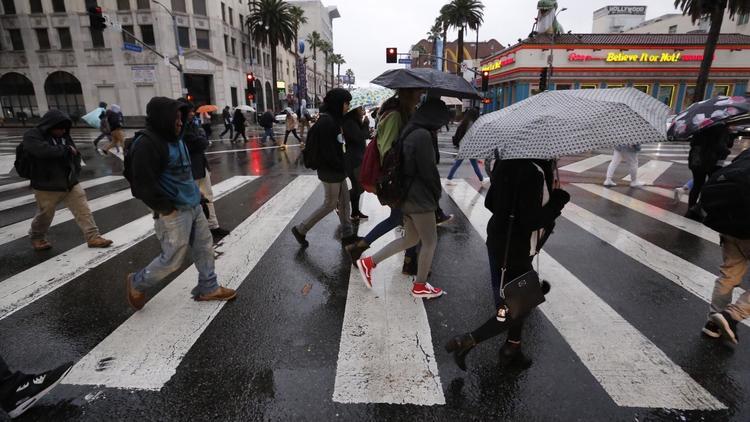 La próxima tormenta en Los Ángeles podría traer inundaciones, deslaves y fuertes vientos