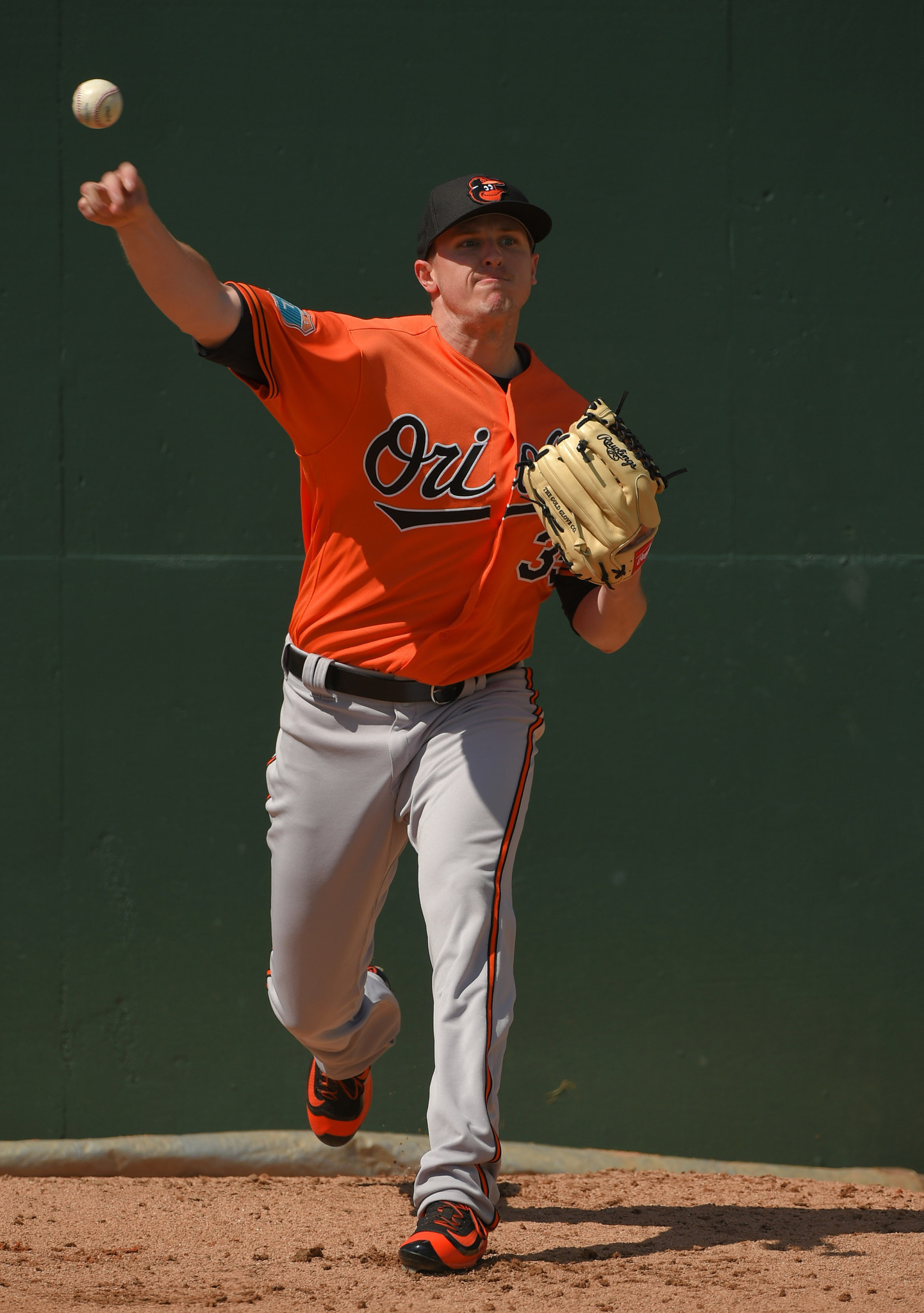 Bal-orioles-round-out-arbitration-process-thursday-with-hearing-with-reliever-brad-brach-20170215