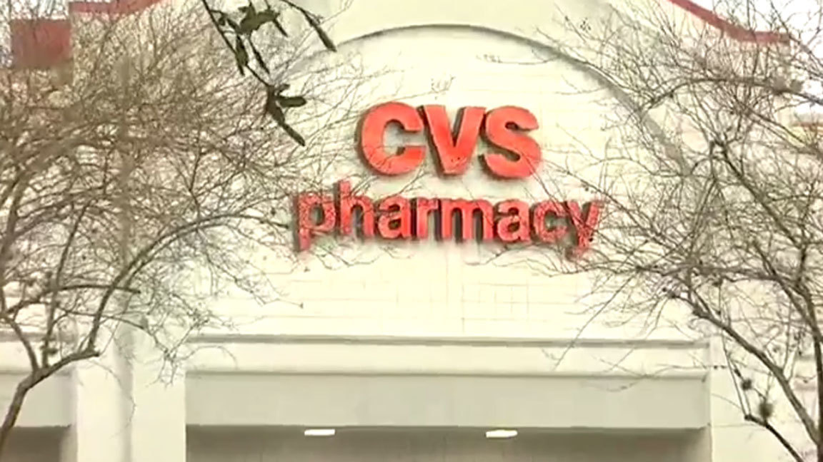 woman calls cops after getting trapped inside closed cvs report