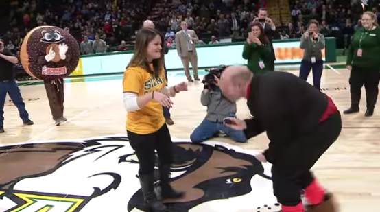 Ct-half-court-shot-marriage-proposal-20170217