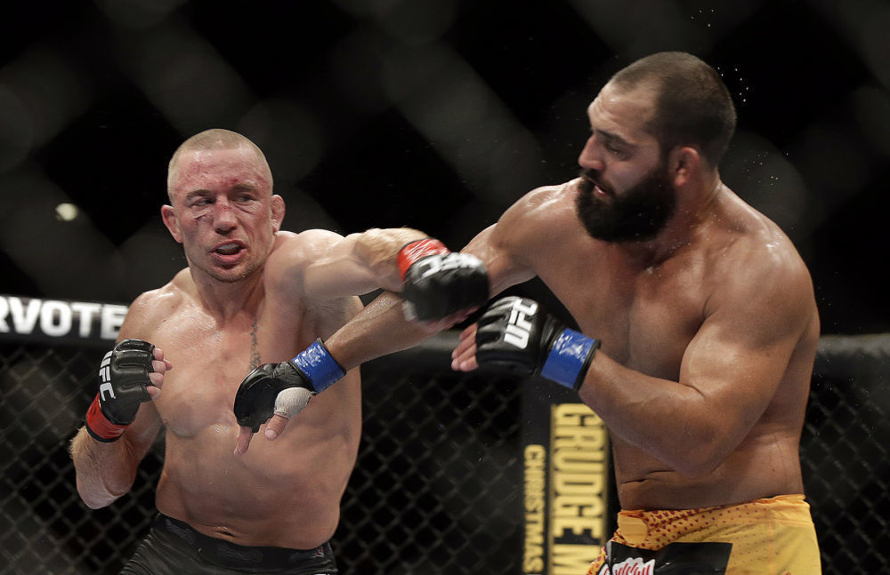 Georges St-Pierre signs to return to the UFC