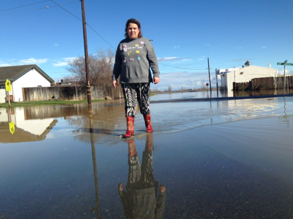 'It's flooding! Get out! Get out!': Residents have little warning as floodwaters inundate town
