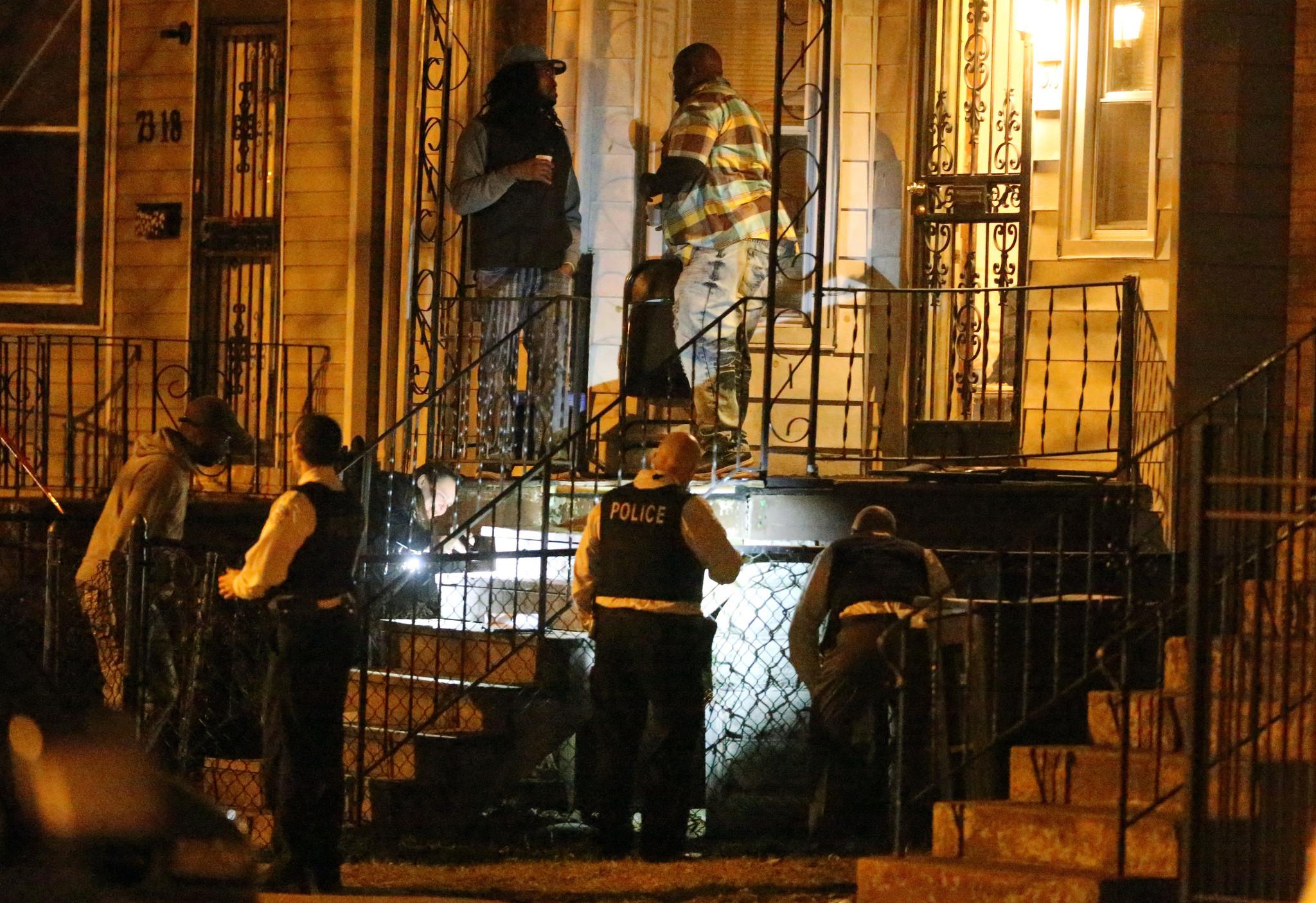 4 dead, 25 wounded in weekend shootings