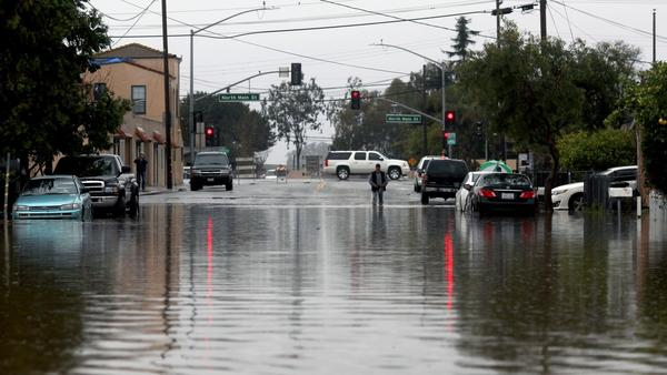Powerful storms continue to batter Northern California amid concern about levees