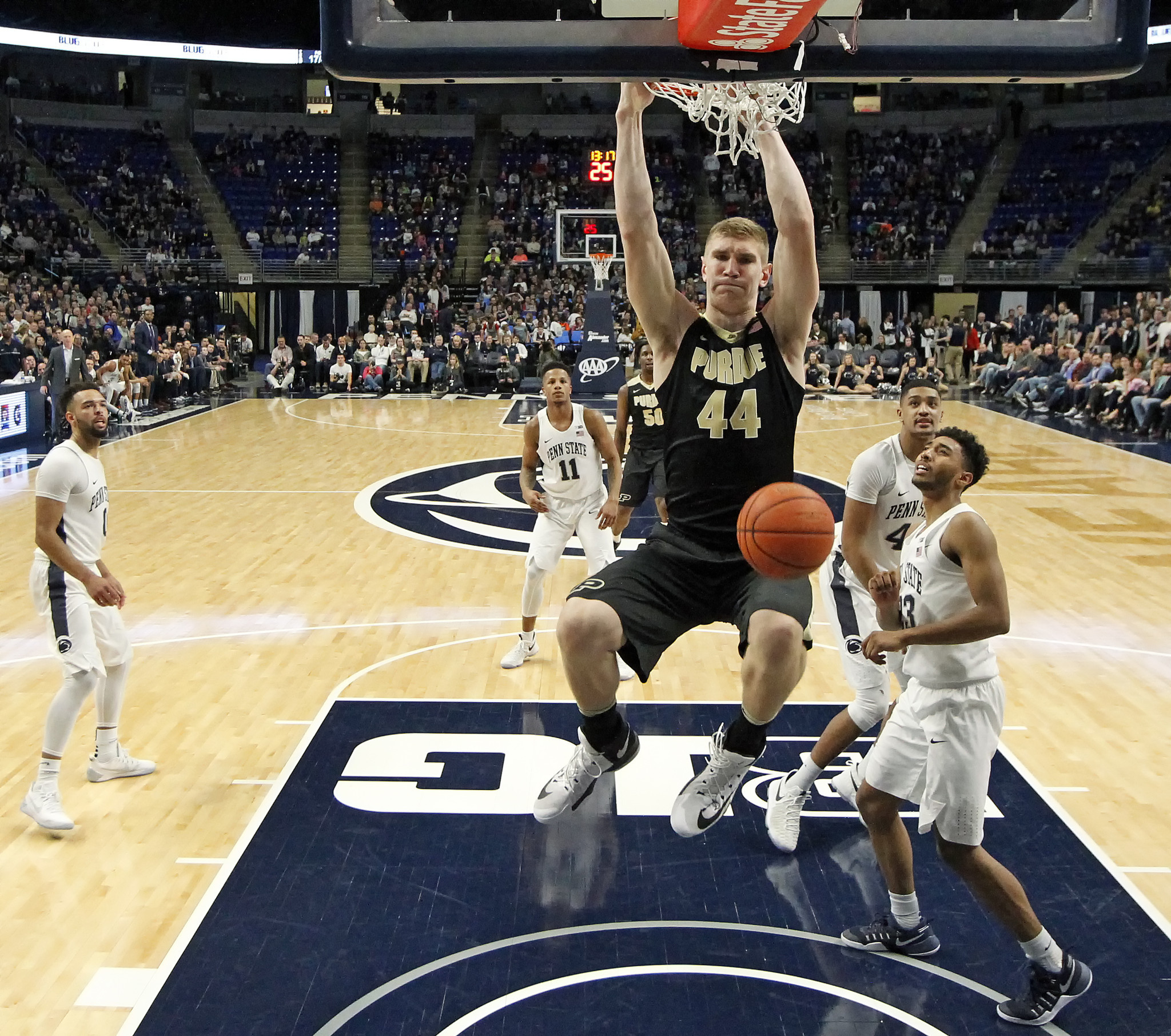 Ct-college-basketball-roundup-spt-20170221