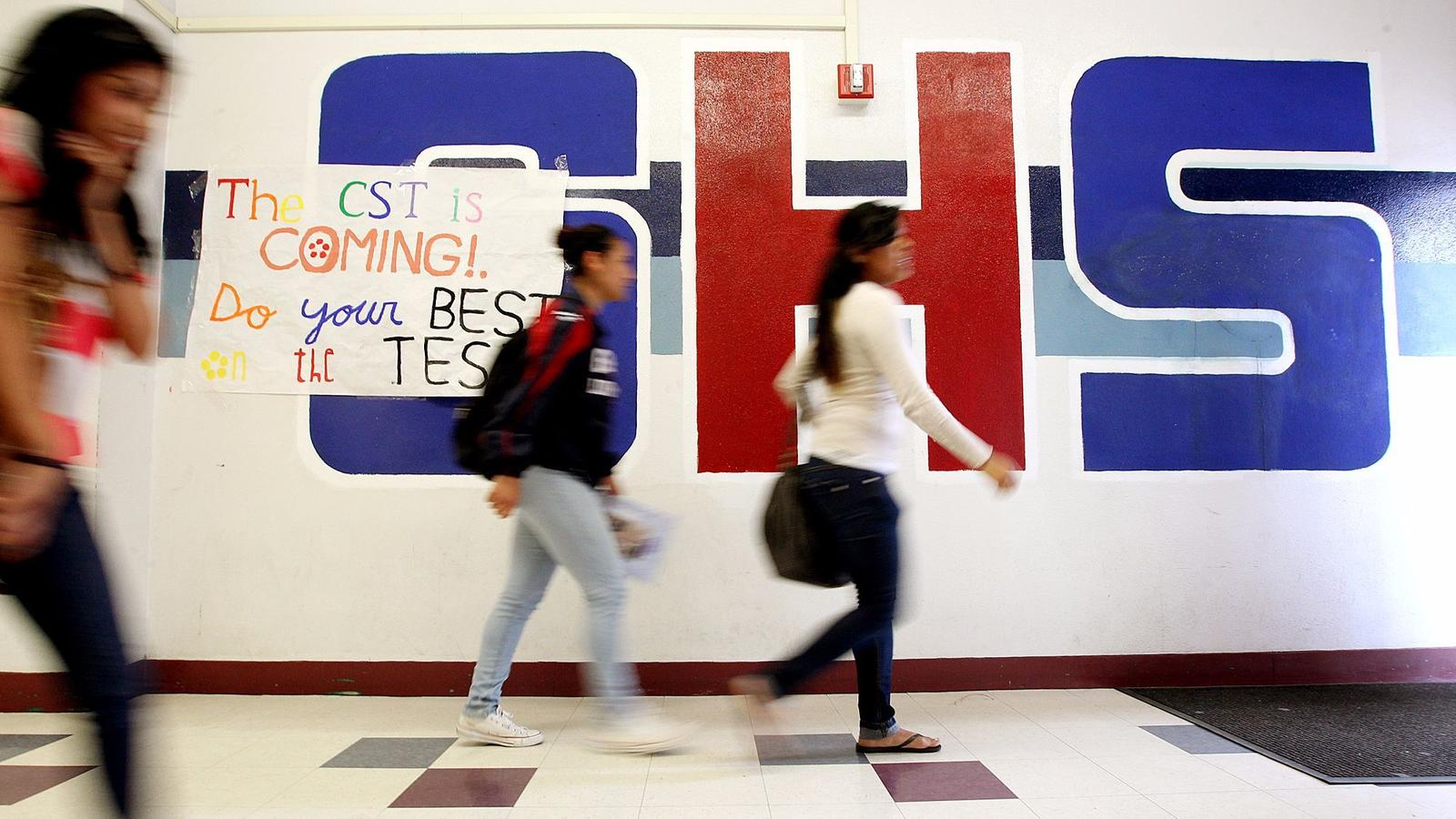 Students at Garfield High School. (Christina House / For the Times)