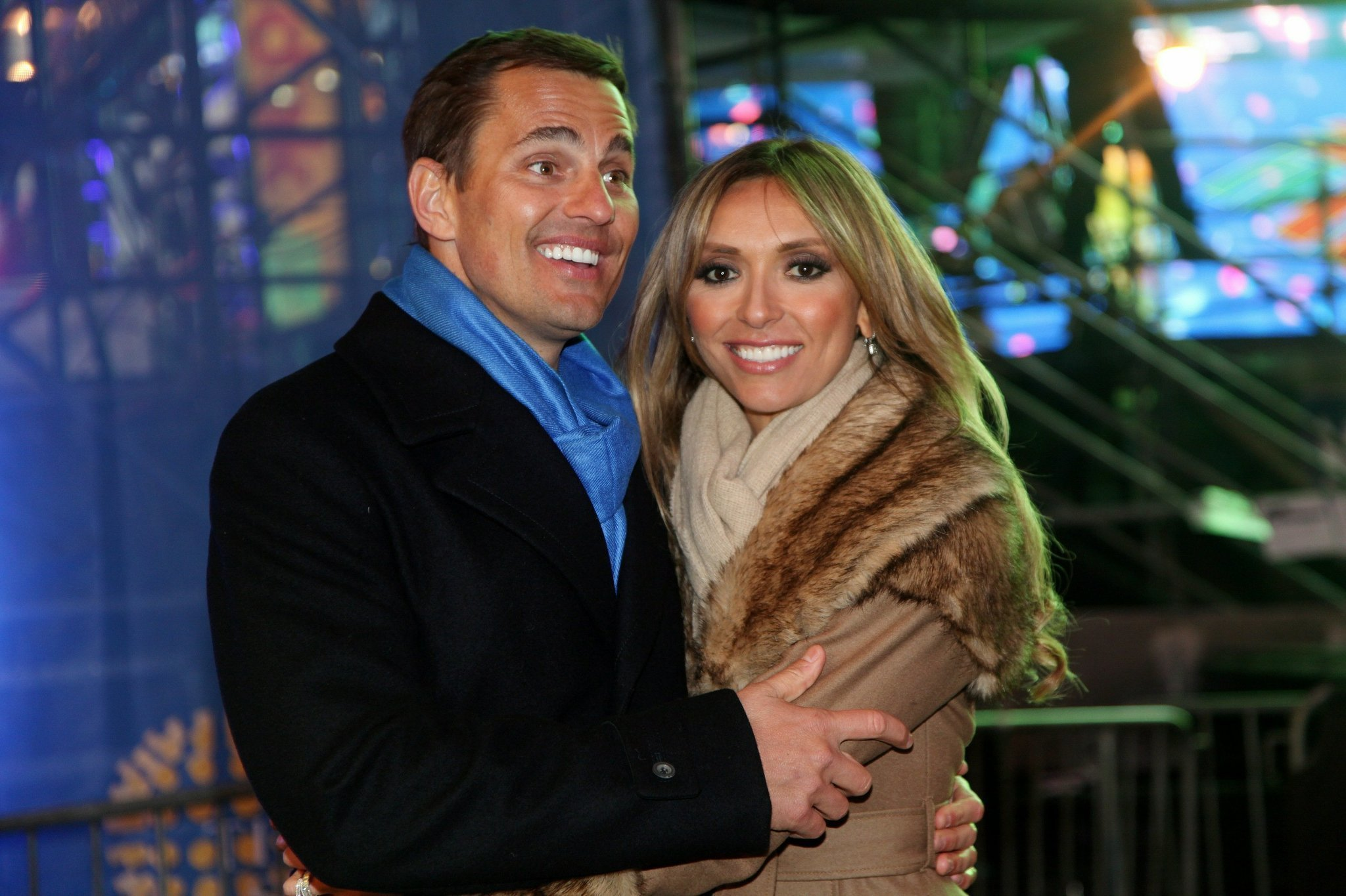 bill rancic interviews wife giuliana in chicago for