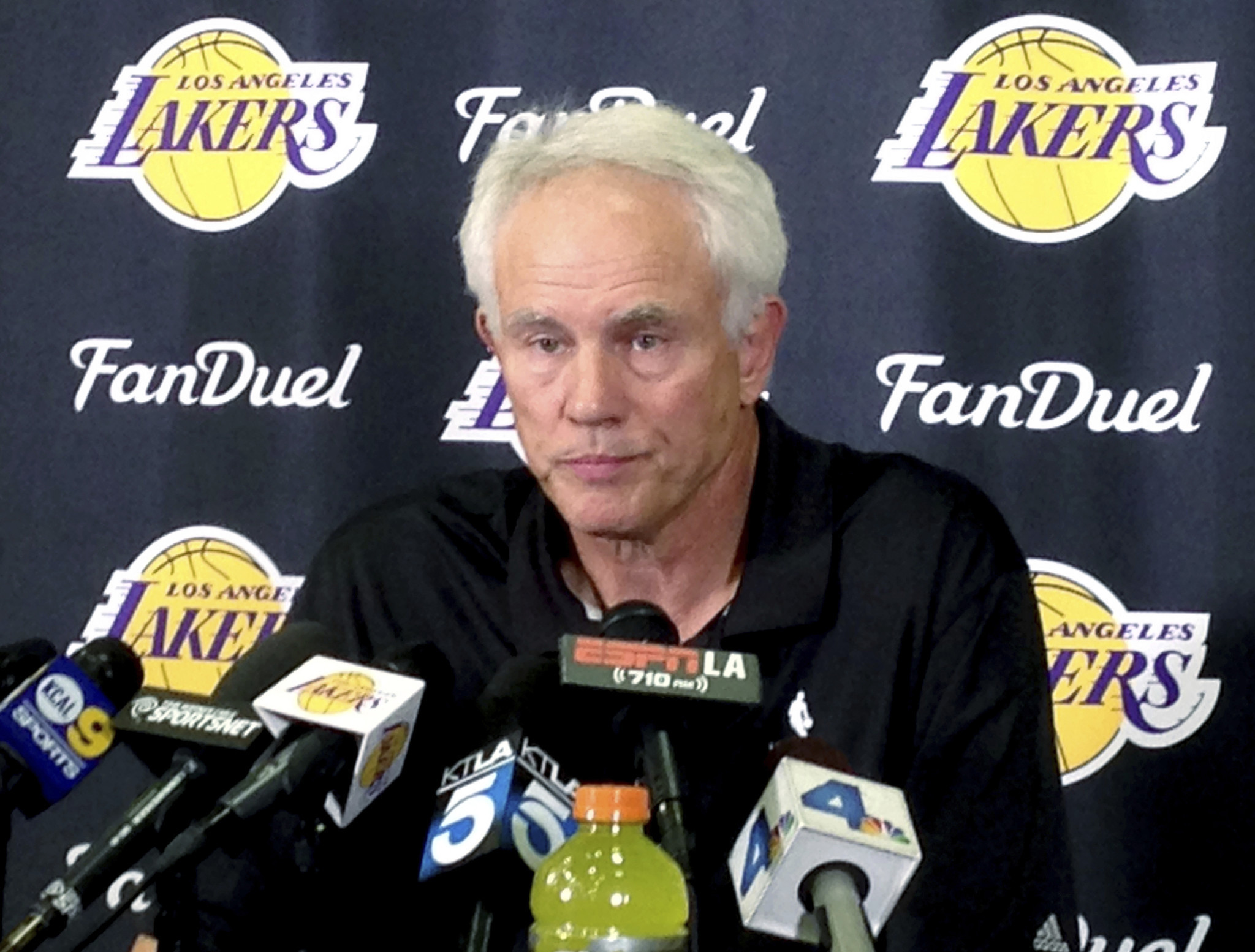 Former GM Mitch Kupchak disappointed he won t to help players
