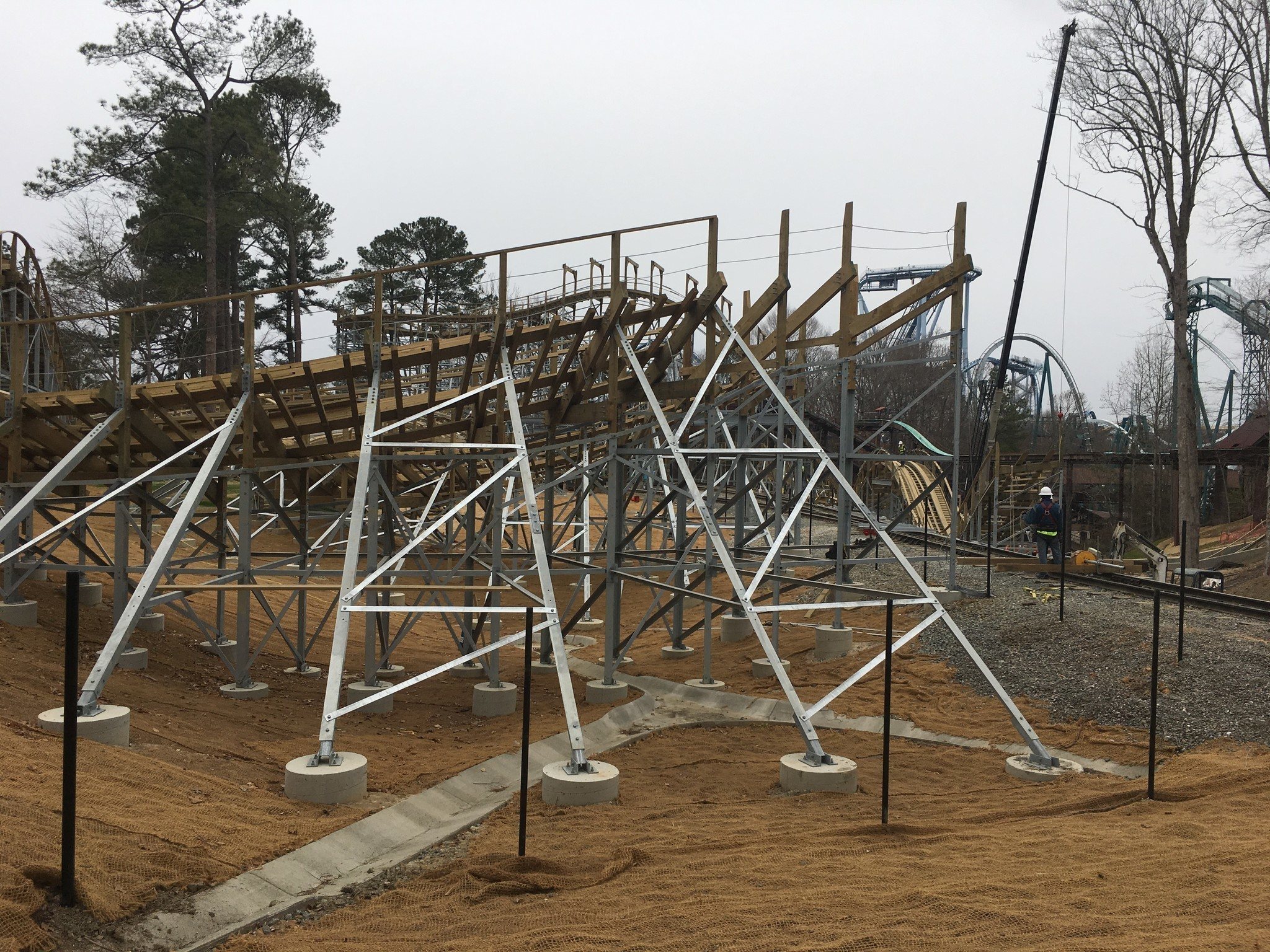 Busch Gardens Shows Off New Wooden Roller Coaster Daily Press
