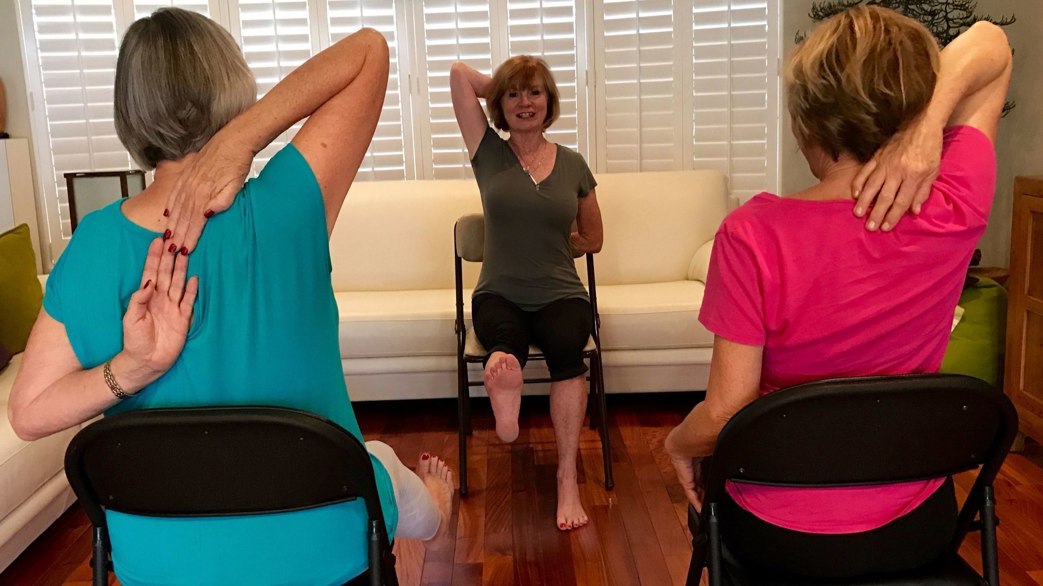 Chair yoga for seniors - Fau Researchers Find Chair Yoga Is Good Medicine For Seniors Sun Sentinel