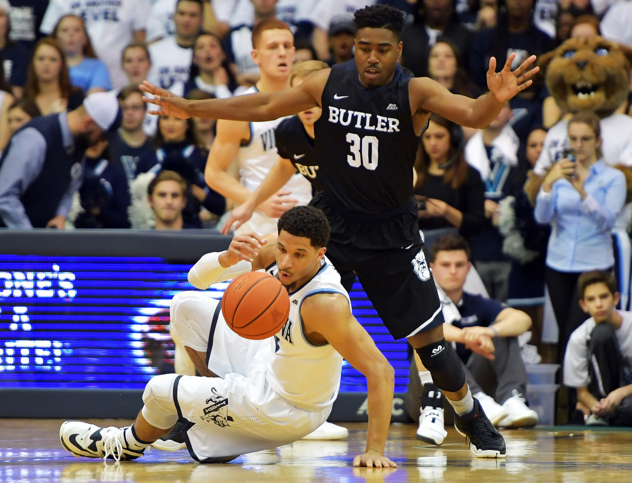 Ct-college-basketball-roundup-spt-20170222