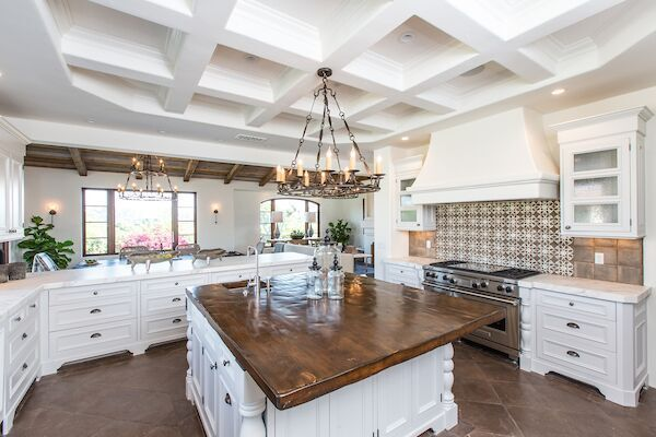 A Van Galder Design kitchen in Rancho Santa Fe