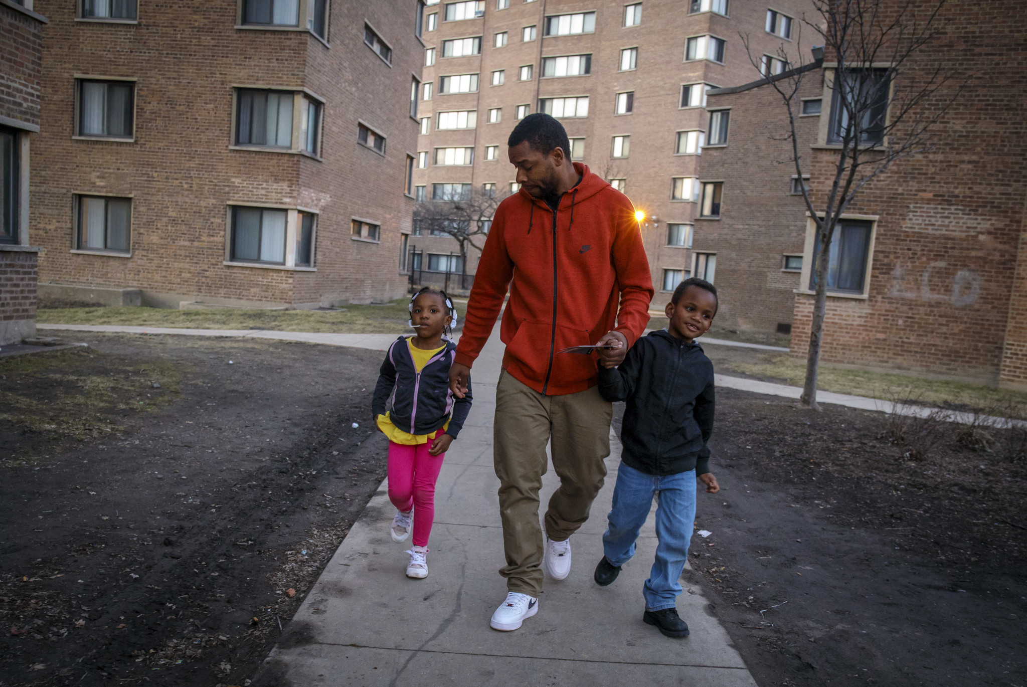 Violence Endures At Parkway Gardens Chicago Tribune
