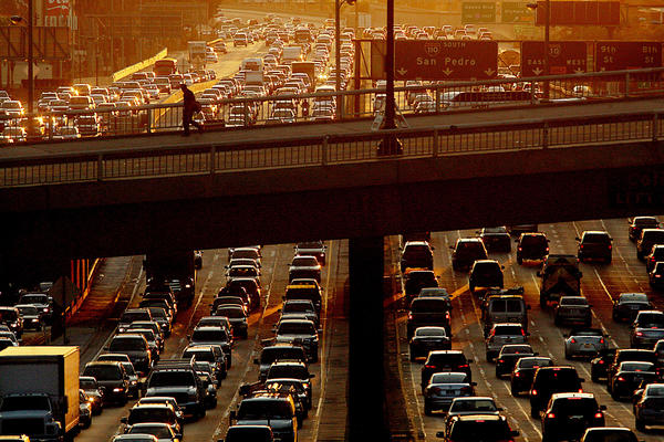 Traffic jams the Harbor Freeway on Dec. 20, 2013. (Los Angeles Times)