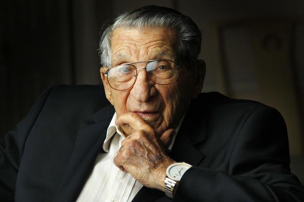Carlsbad's Lester Tenney, a Bataan Death March survivor, dies at 96