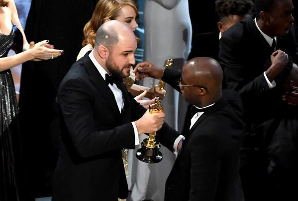 'La La Land' producer on handing over his best picture Oscar — 'I just righted a wrong'
