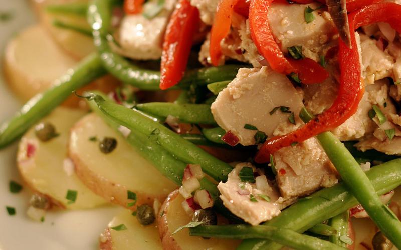Tuna, potato and green bean salad