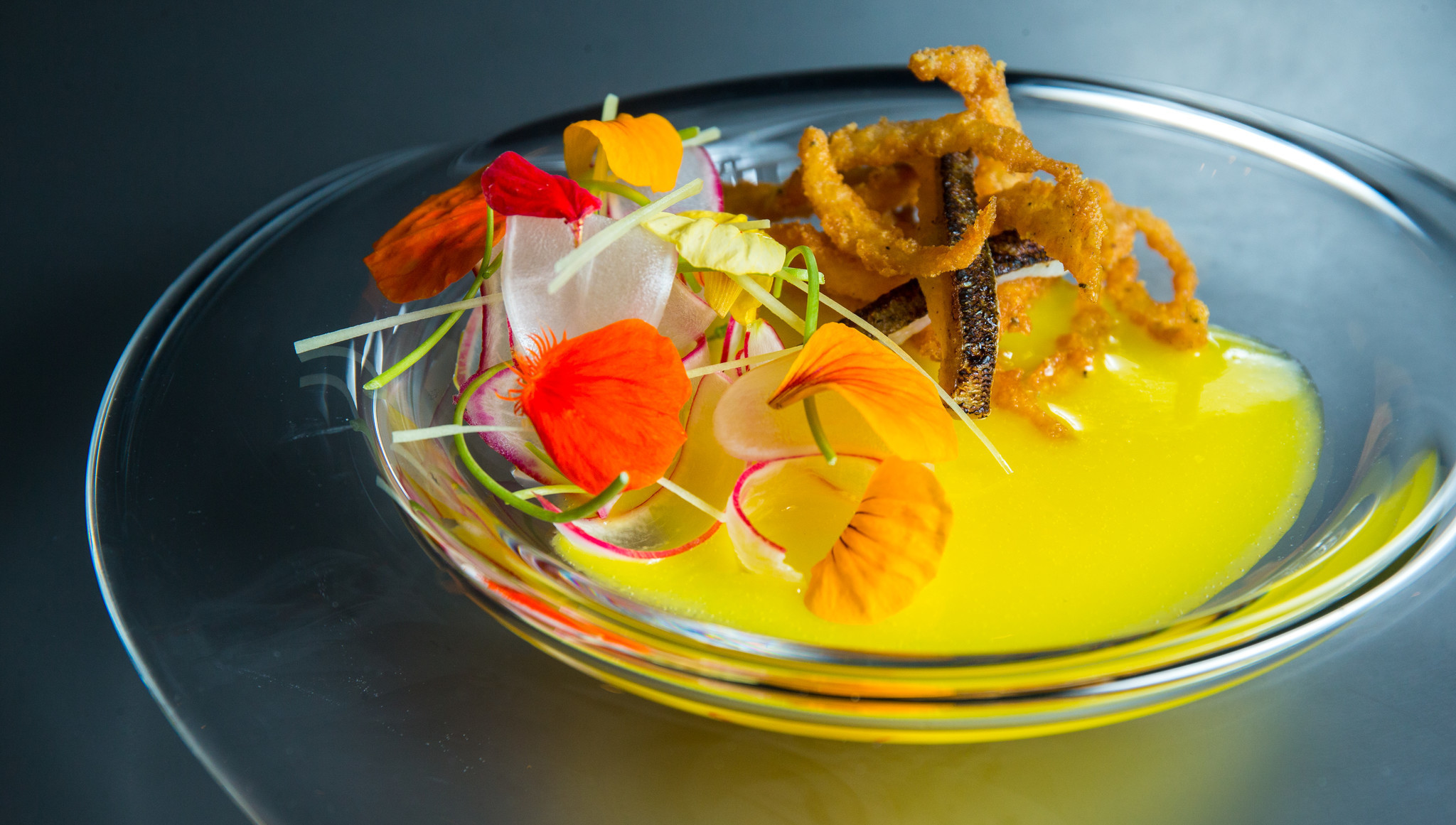 No 1 alinea the stage for one of the world s greatest chefs chicago tribune - Table cuisine alinea ...
