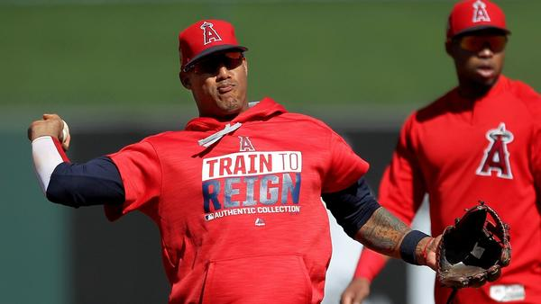 Angels third baseman Yunel Escobar aims to become a U.S. citizen
