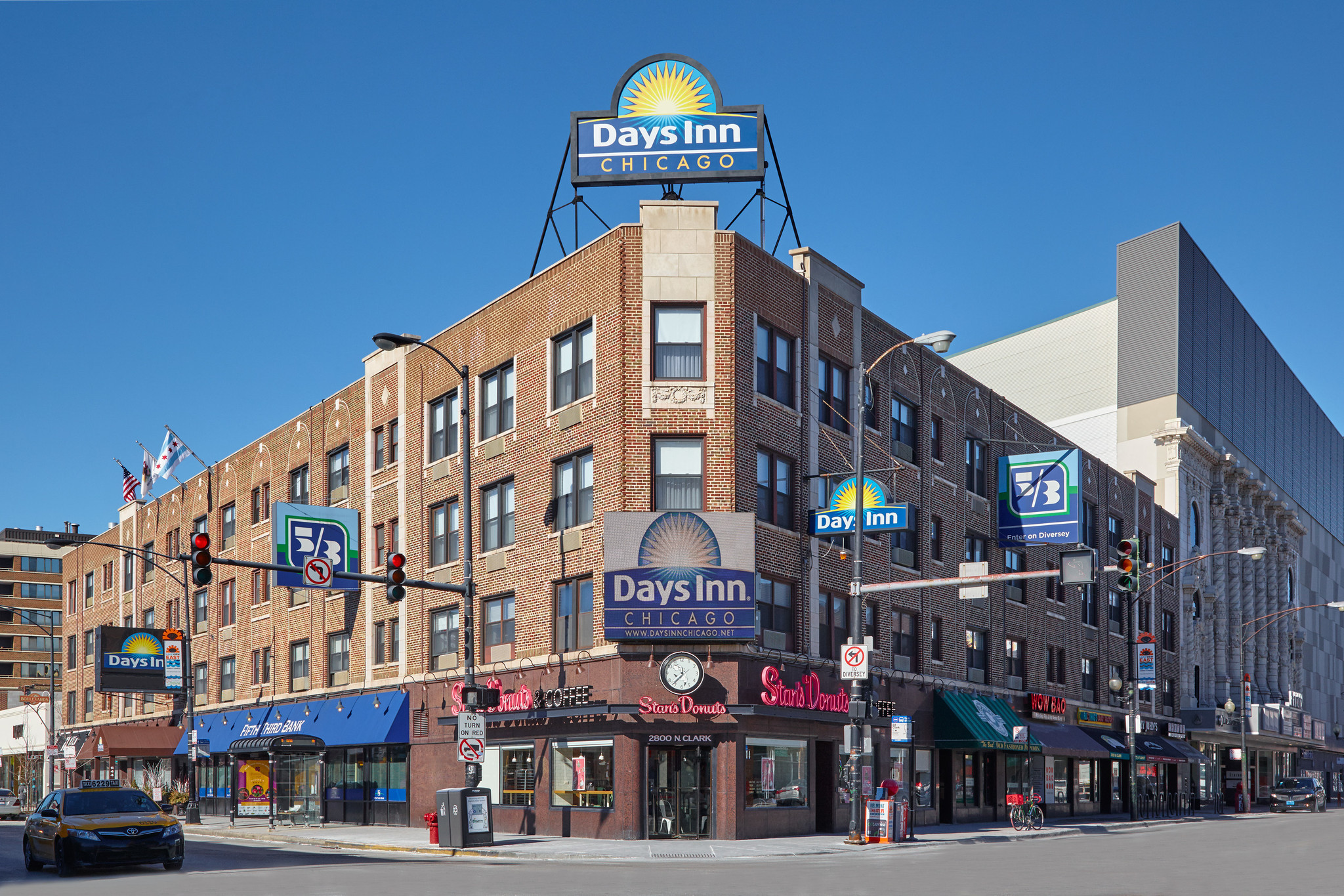 Chicago 39 s 39 rock and roll days inn 39 to become lifestyle for Hotel chicago hotel