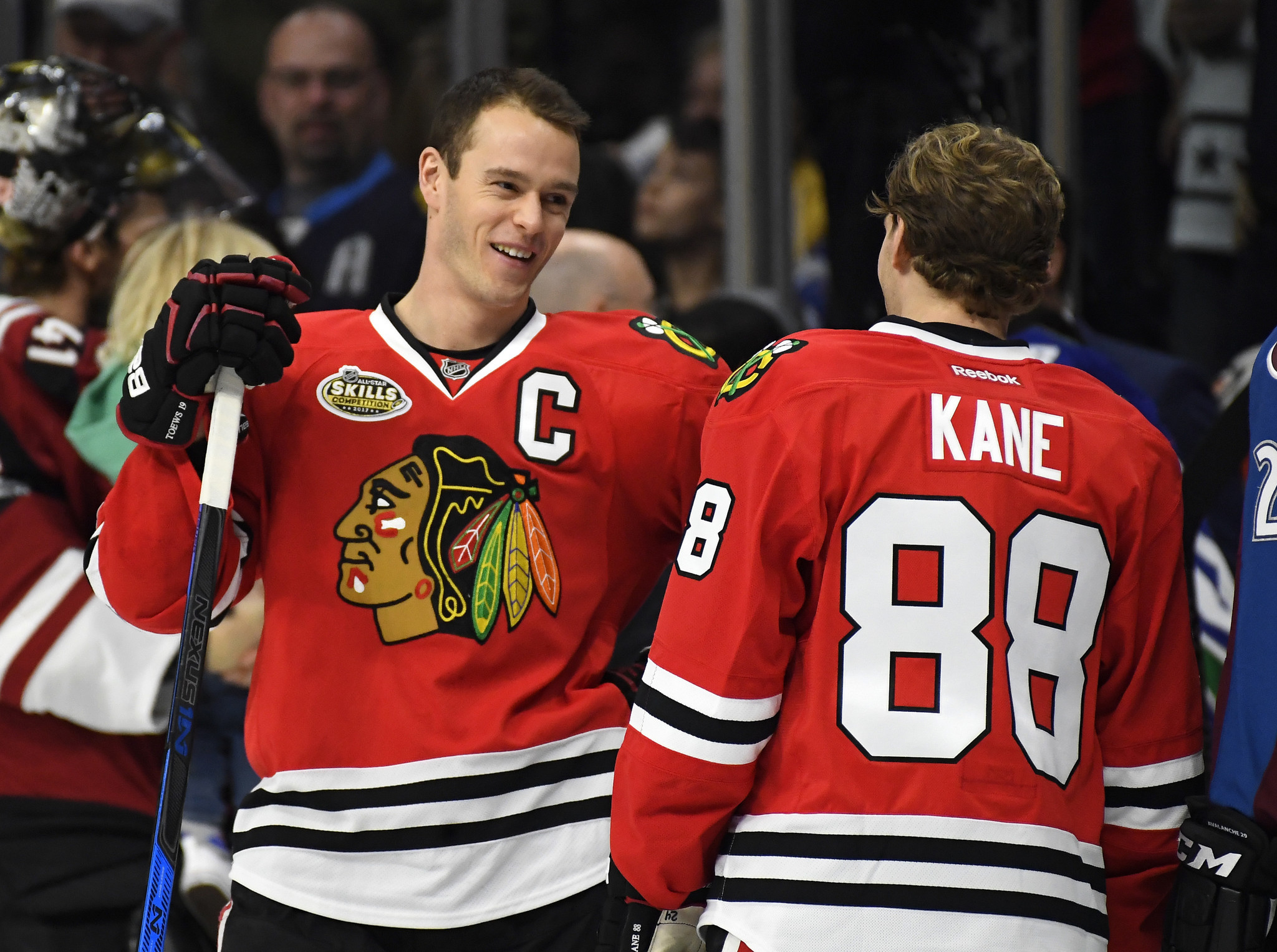 Ct-patrick-kane-jonathan-toews-haugh-spt-0303-20170302