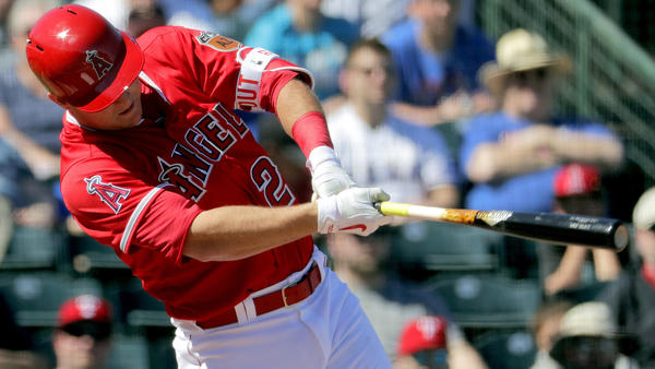 Jefry Marte, Kole Calhoun homer in Angels