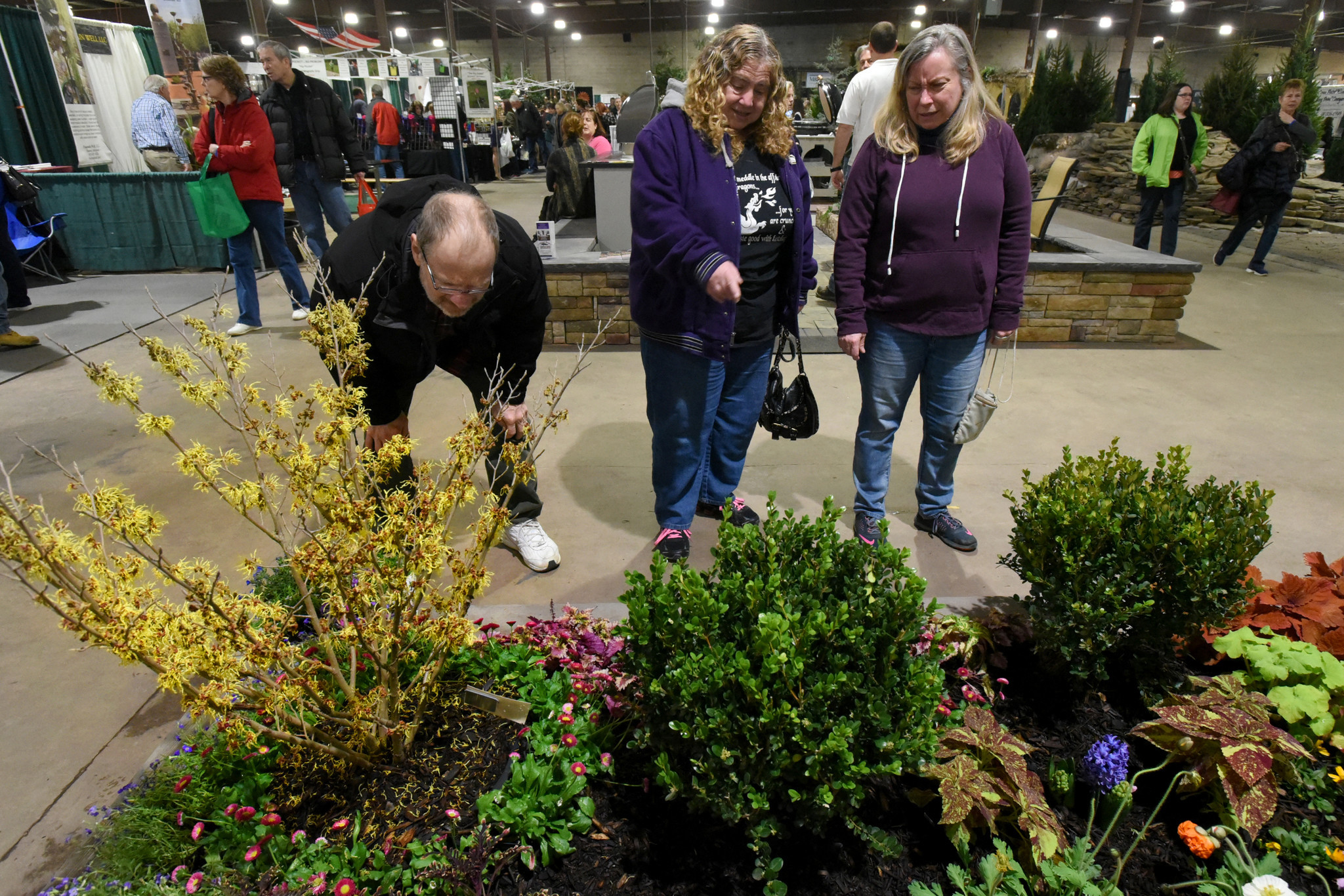 Gardeners reflect on early spring at maryland home and Md home and garden show